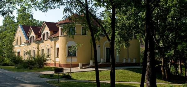 Geréby Kúria Hotel és Lovasudvar Lajosmizse
