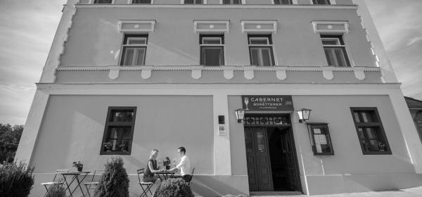 Hotel Cabernet Villánykövesd